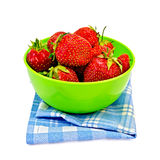 Strawberries in a green bowl with a napkin Stock Photography