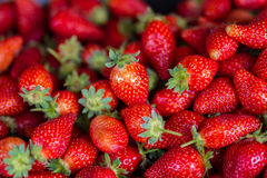 Strawberries marketplace store Royalty Free Stock Photos