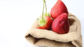 Strawberries vermelhos vídeos de arquivo