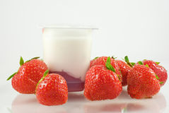 Strawberries and yogurt Stock Photography