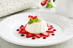 Strawberry blancmange Royalty Free Stock Images