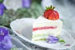 Strawberry cake with vanilla mousse Stock Images