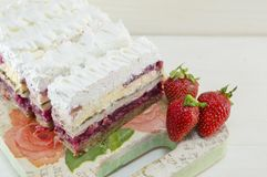 Strawberry cake with whipped cream Royalty Free Stock Photos