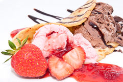Strawberry- and Chocolate Ice Cream Isolated Royalty Free Stock Photos