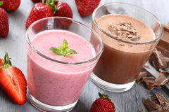 Strawberry and chocolate smoothie Royalty Free Stock Photos