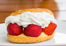 Strawberry cream with bread closeup Royalty Free Stock Photography