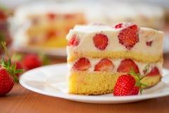 Free Strawberry Cream Cake Stock Images - 31430924