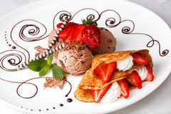 Strawberry and cream pancake with ice cream Royalty Free Stock Photography