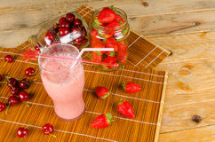 Strawberry fruity smoothie Royalty Free Stock Photos