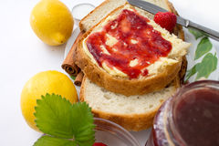 Strawberry jam with bread Royalty Free Stock Photos