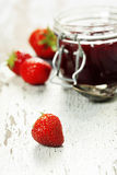 Strawberry jam in a jar Royalty Free Stock Photos