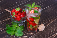 Strawberry mojito cocktail Stock Images