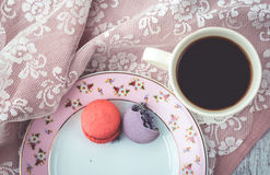 Strawberry and mulberry macaroon Royalty Free Stock Images