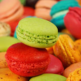 Strawberry and pistachio macaroons Stock Images