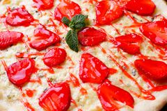 Free Strawberry Pizza Texture, Food Background Stock Image - 118811481