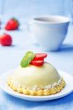 Strawberry white chocolate cream cheese mousse cake Royalty Free Stock Image