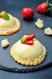 Strawberry white chocolate cream cheese mousse cake Royalty Free Stock Photography