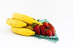 Strawerryes e bananas Imagens de Stock