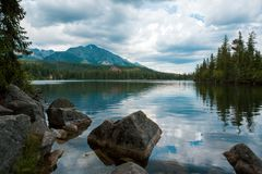 Strbske Pleso lake royaltyfria foton
