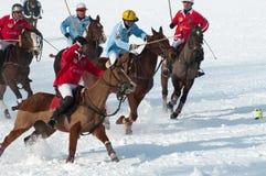 STRBSKE PLESO, SLOVAQUIE - 7 FÉVRIER : Polo sur la neige Images libres de droits