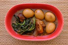 Streaky βρασμένα χοιρινό κρέας σάλτσα και αυγό σόγιας χοιρινού κρέατος Tong ήχων καμπάνας Στοκ φωτογραφία με δικαίωμα ελεύθερης χρήσης