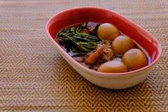Streaky βρασμένα χοιρινό κρέας σάλτσα και αυγό σόγιας χοιρινού κρέατος Tong ήχων καμπάνας Στοκ φωτογραφίες με δικαίωμα ελεύθερης χρήσης