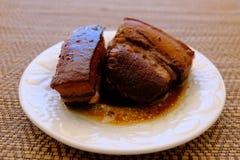 Streaky βρασμένη χοιρινό κρέας σάλτσα σόγιας χοιρινού κρέατος Tong ήχων καμπάνας Στοκ Φωτογραφίες
