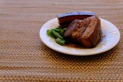Streaky βρασμένη χοιρινό κρέας σάλτσα σόγιας χοιρινού κρέατος Tong ήχων καμπάνας Στοκ φωτογραφία με δικαίωμα ελεύθερης χρήσης
