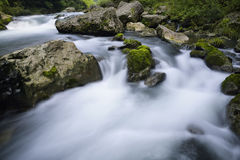 Free Stream And Rocks Stock Photography - 70873202