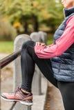 Strechting, innan att jogga Royaltyfri Fotografi
