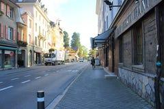 Stree hermoso de la ciudad en Suiza imagen de archivo libre de regalías