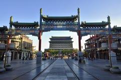 Streetã för Beijing cityscapeQianmen commercial Arkivfoto