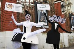 Street actors perform in Hermitage Garden in Moscow