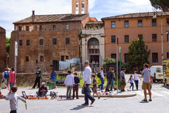 Street artists and traders among tourists in Rome, Italy Royalty Free Stock Photos