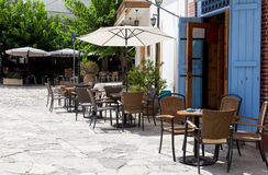 Street cafe in Omodos, Cyprus Royalty Free Stock Photos