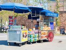 Street cart selling fast food at Battery Park in New York City Stock Image