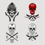 Street fight skull. Vector illustration street fight emblem with skull, brass knuckles and straight razor Royalty Free Stock Photos