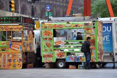 Street food cart in Manhattan, NYC Royalty Free Stock Images