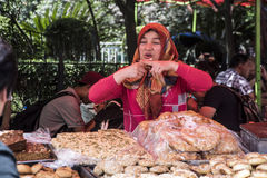 Street Hawker sells breads for 10 Yuan, Shanghai Royalty Free Stock Photography