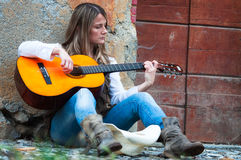 Street musician girl Royalty Free Stock Photography