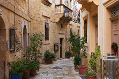 Street in old mediterranean town. (Vittoriosa, Malta Stock Photography