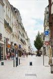 Street Rue du Canal adentro enoja, Francia Foto de archivo libre de regalías