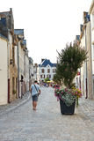 Street Rue du Pilori in Stadt Le Croisic, Frankreich Lizenzfreie Stockfotos