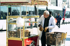 Street sales of traditional Turkish bagels Simit, Stock Photography