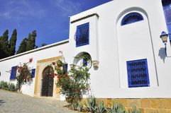 Street of Sidi Bou Said with blue windows Royalty Free Stock Photos