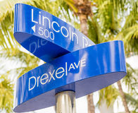 Street sign marking directions to Lincoln Road, Miami Royalty Free Stock Images