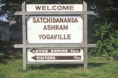 Street sign to the Satchidananda Ashram-Yogaville and Lotus Conference Center in Buckingham, Virginia Royalty Free Stock Photos