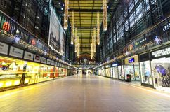 Shopping street at Hamburg train station Royalty Free Stock Photography