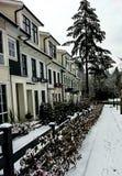 Street View i vintern med snö arkivbild