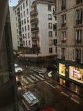 Street View parigino della finestra fotografie stock libere da diritti